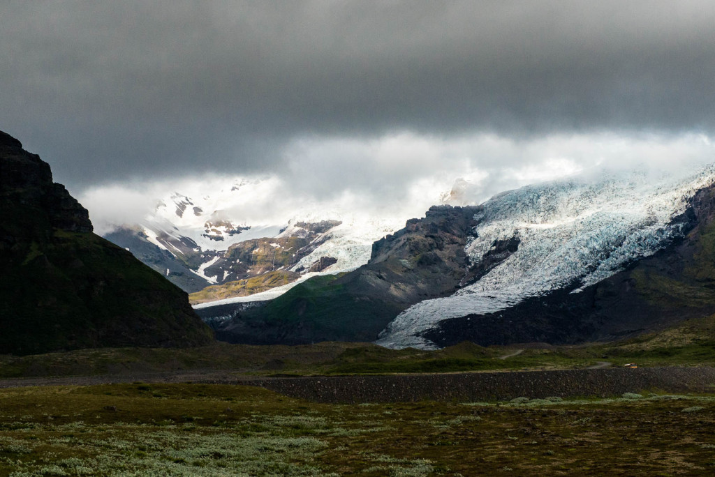 Ring Road crosses a few glacial outwash plains, which is subject to frequent glacial outburst floods
